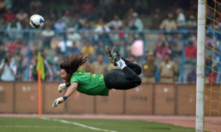 Rene Higuita i scorpion kick. Najsłynniejsza parada w historii piłki